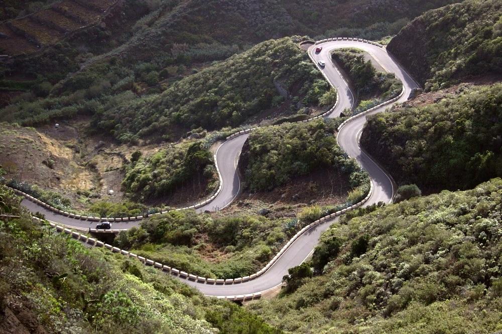 Как работают двигатель и тормоза в горах