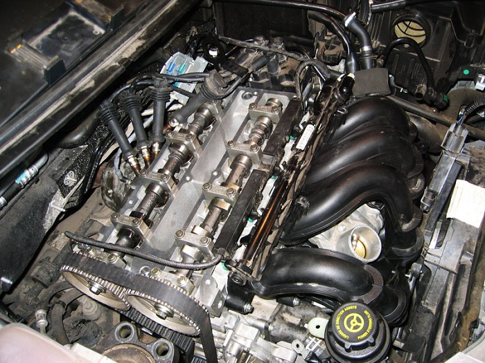 Появился стук в двигателе автомобиля