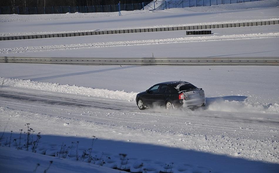 Как подготовить машину к поездке зимой по трассе