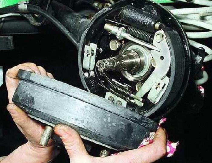 Ремонт барабанной тормозной системы автомобиля