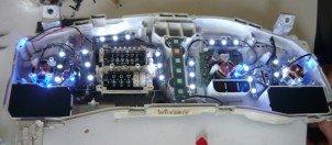 Как произвести замену подсветки приборной панели - ведь не каждого автолюбителя стандартная подсветка, присутствующая у приборной панели, устраивает.