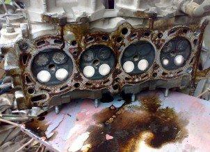 Как самостоятельно очистить двигатель от гари и кокса