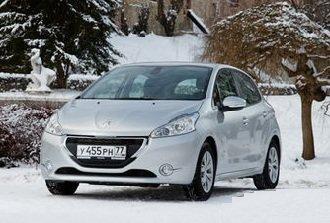 Peugeot 208 — описание автомобиля с улыбкой