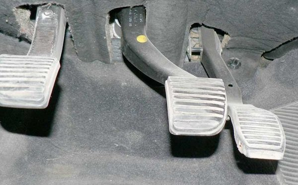 Причины отказа тормозов в авто