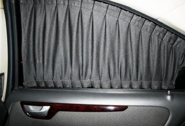 Шторки в автомобиле вместо тонировки