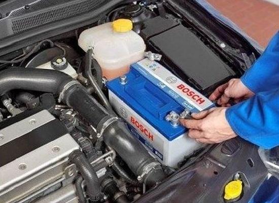 Как долить воду в аккумулятор авто