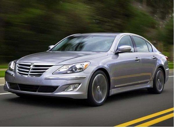 Hyundai Genesis знает про дорожные камеры