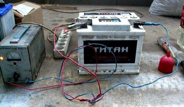 Как правильно зарядить аккумулятор