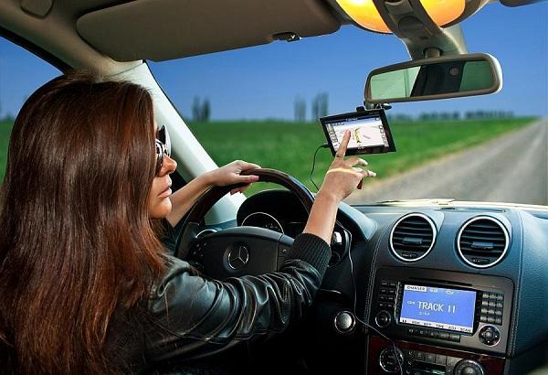 Как выбрать GPS навигатор для авто