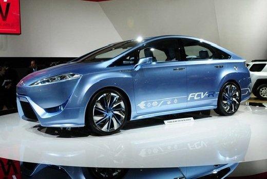 Toyota FCV — премьера водородного седана