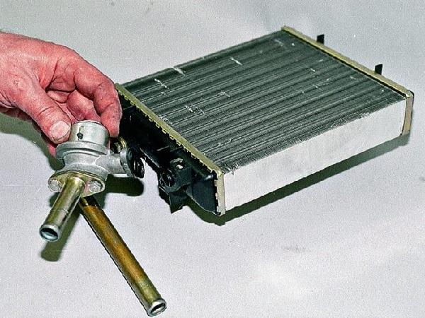 Как снять радиатор печки ВАЗ