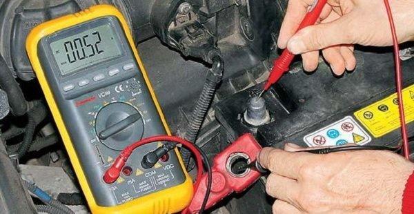 Утечка тока в автомобиле — как найти?