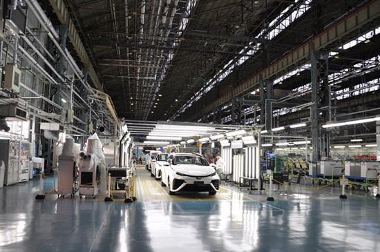 Toyota Mirai на водородных топливных элементах