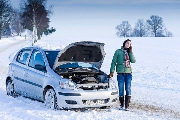 Почему двигатель в мороз плохо заводится