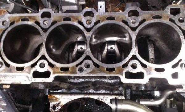 Двигатель на бензине с низким октановым числом
