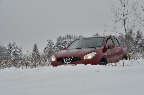 Как выбраться из снежного плена на автомобиле?