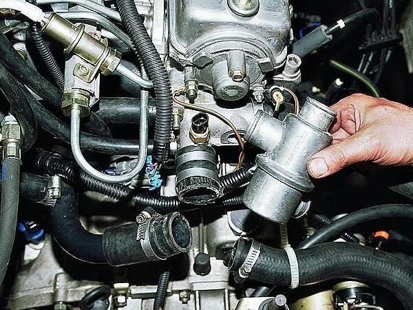 Как заменить термостат ВАЗ 2114 своими руками