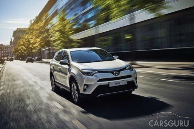 В России отзовут почти 140 тысяч Toyota RAV4