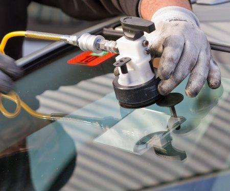 Своими руками ремонтируем автомобильное стекло