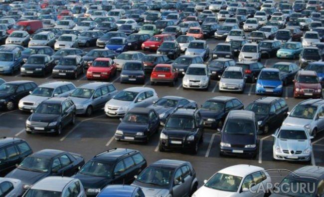 Средняя цена подержанной машины в России достигла 700 000 рублей