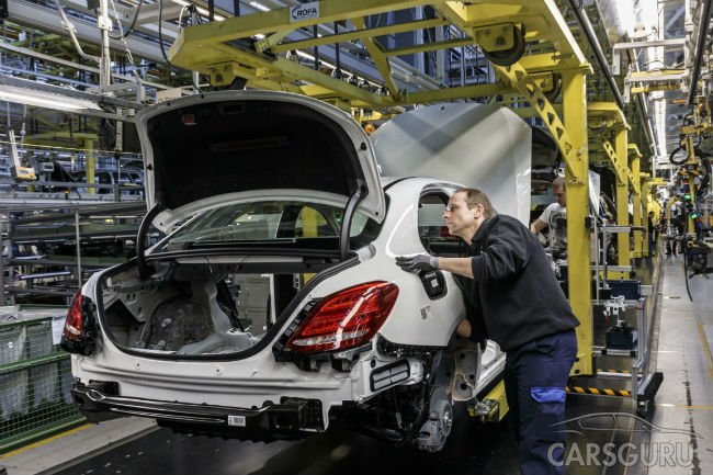 Daimler проведет конкурс подрядчиков для строительства завода в России