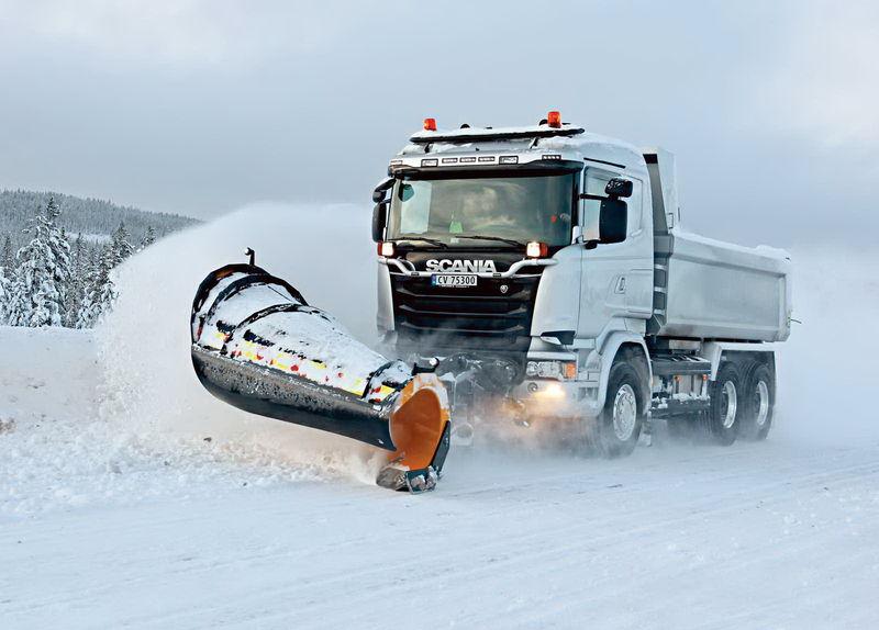 Зимние грузовые шины – будем переобуваться?