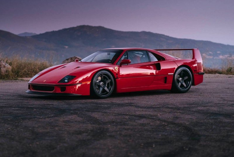 Ferrari F40 на дисках от HRE Wheels