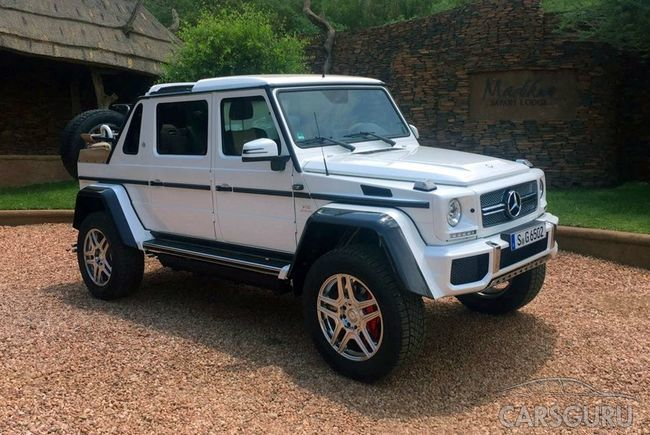 В Сети появились фото Mercedes-Maybach G 650 Landaulet