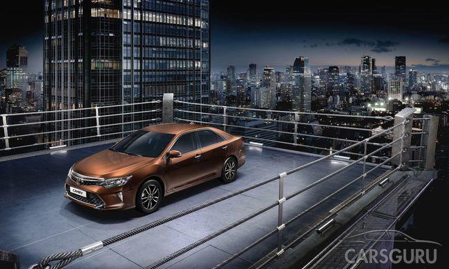 Toyota представляет обновленную версию Camry