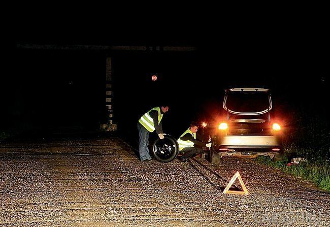 Автомобилистов России заставят надеть светоотражающие жилеты