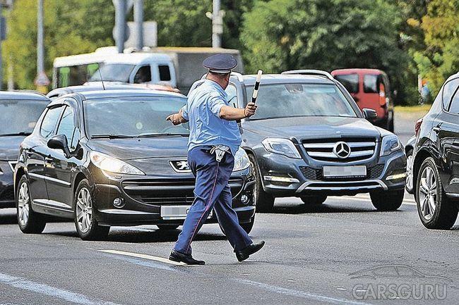 Гаишники могут проверять документы пассажиров и останавливать нарушителей вне постов