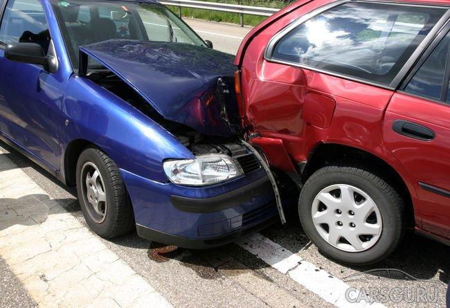 Страховые компании объяснили, как действовать после отмены справок об аварии