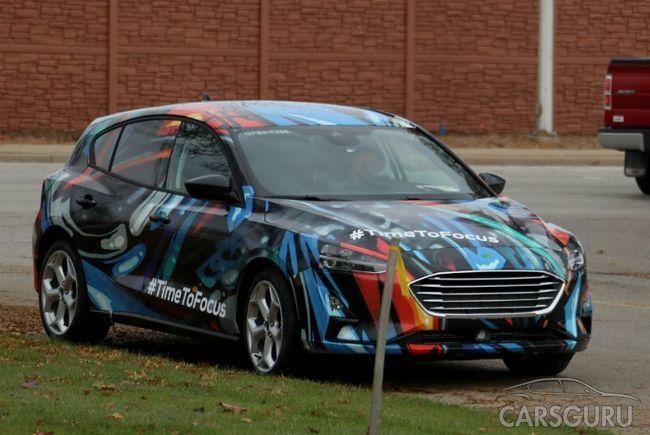 Новый Ford Focus засняли с минимумом камуфляжа