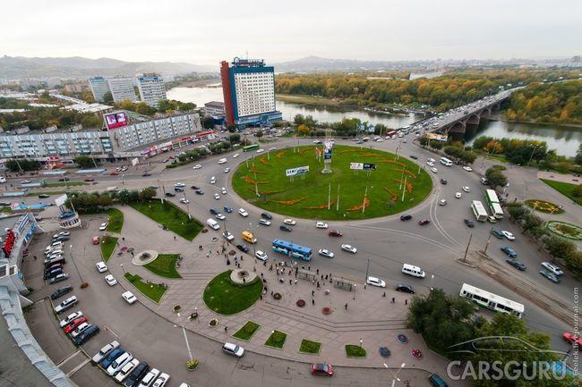 Сегодня вступили в силу новые правила пересечения круговых перекрестков