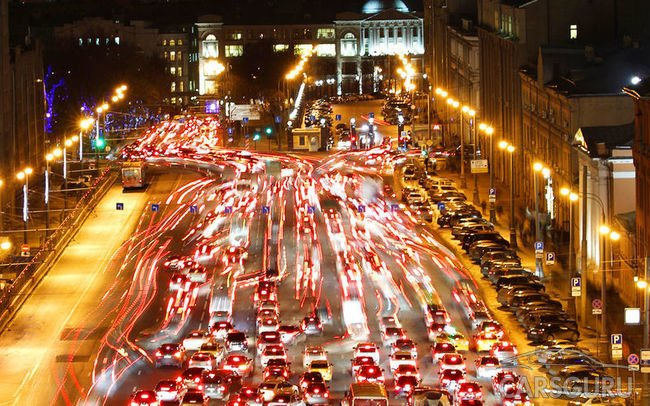 Впервые за 5 лет пробки в Москве достигли своего апогея