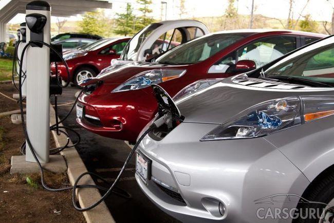 Краш-тест 30 новеньких электромобилей от 10-летнего мальчика