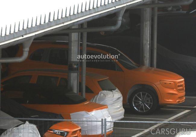 Mercedes-Benz показал дизайн нового внедорожника на макете для краш-тестов