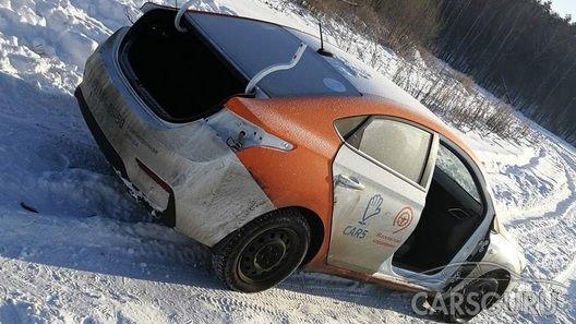 Разобранное авто из каршеринга нашли посреди поля
