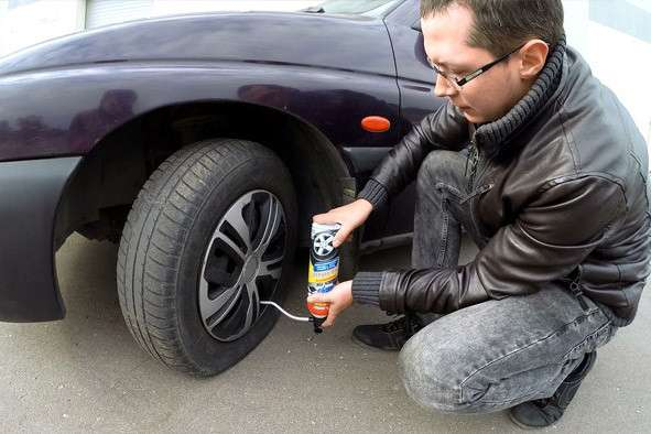 Как отремонтировать шину в дороге, чтобы дотянуть до автосервиса.