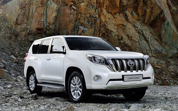 Toyota Land Cruiser Prado AT.