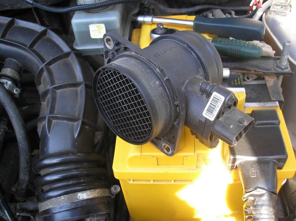 Расходомер воздуха ДМРВ – искать новый или можно почистить?