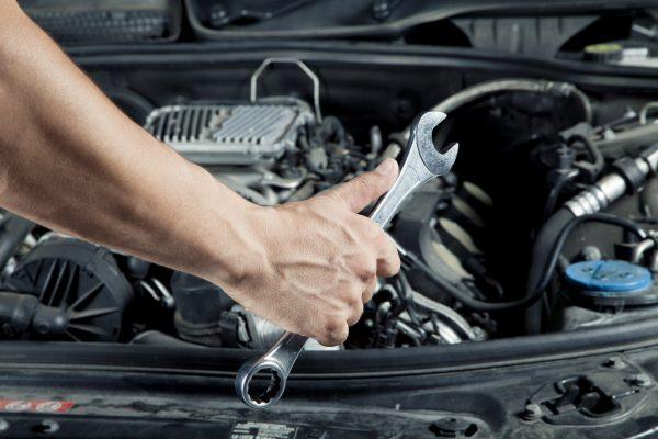 Автомобиль ремонт.