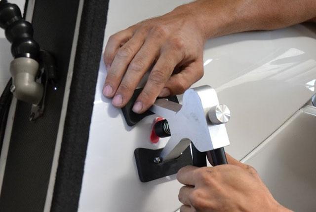 Исправление вмятины бампера и кузовной ремонт.